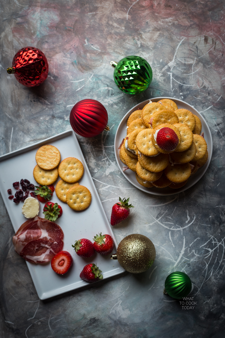 Brie prosciutto cranberries RITZ Crackers tree #HolidayRITZ #ad