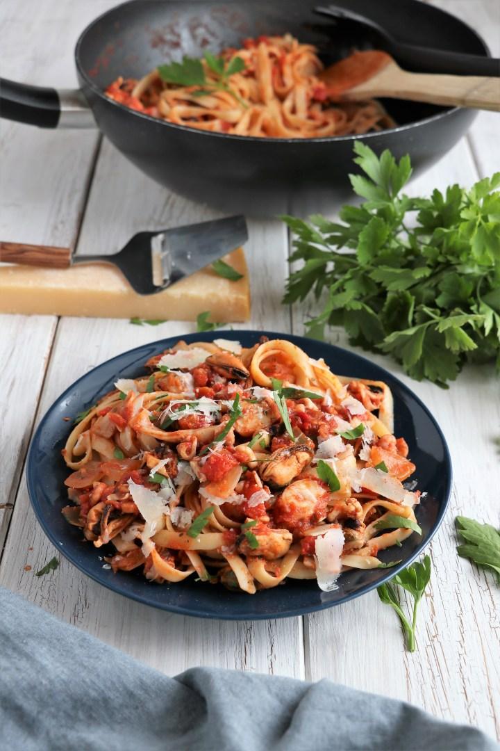 seafood pasta linguine - wteph