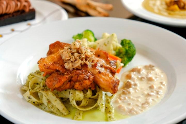 EC+B Chef's Summer Specials, Chicken Thigh with Pasta