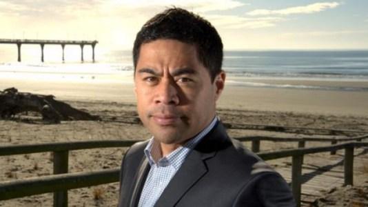 Новая Зеландия: популярный телеведущий стал жертвой биткоин-скамеров