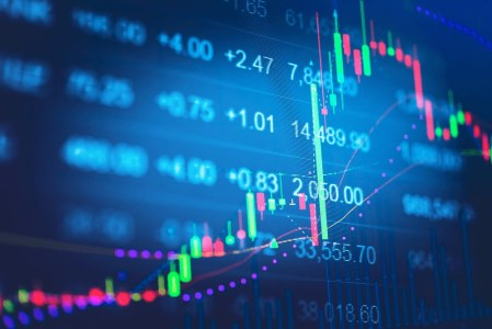 Bitstamp расследует продажу 5000 BTC во время падения монеты до $6200