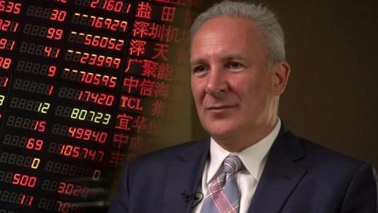 Питер Шифф указал на превосходство золота, назвал биткоин-инвесторов «простаками»