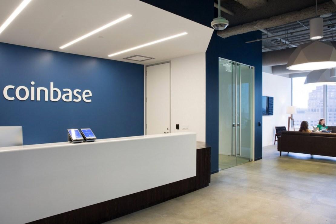 СМИ: Биржа Coinbase готовится выйти на фондовый рынок в этом году