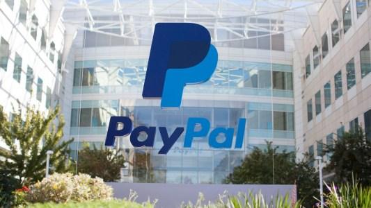 Bloomberg: PayPal ведет переговоры о покупке криптовалютных компаний