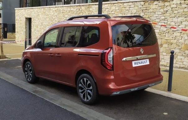 Renault Kangoo 2021, imagini neoficiale Renault Kangoo 2021, test drive Renault Kangoo 2021, review Renault Kangoo 2021, motoare, pret romania, lista preturi Renault Kangoo 2021, kangoo express 2021