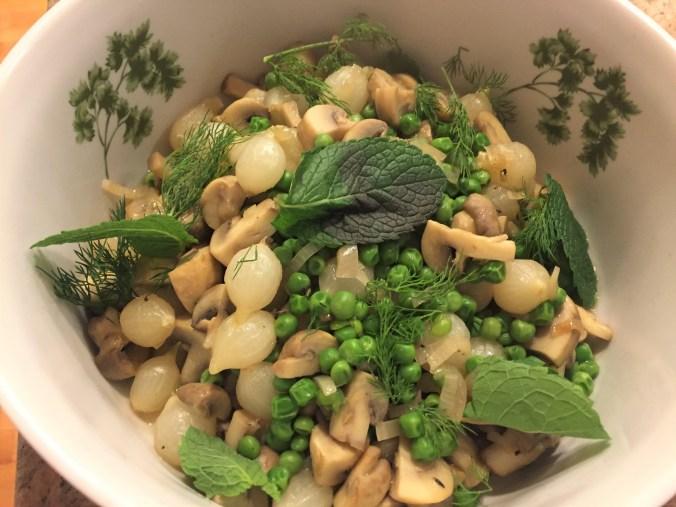 Greek onion and pea stew