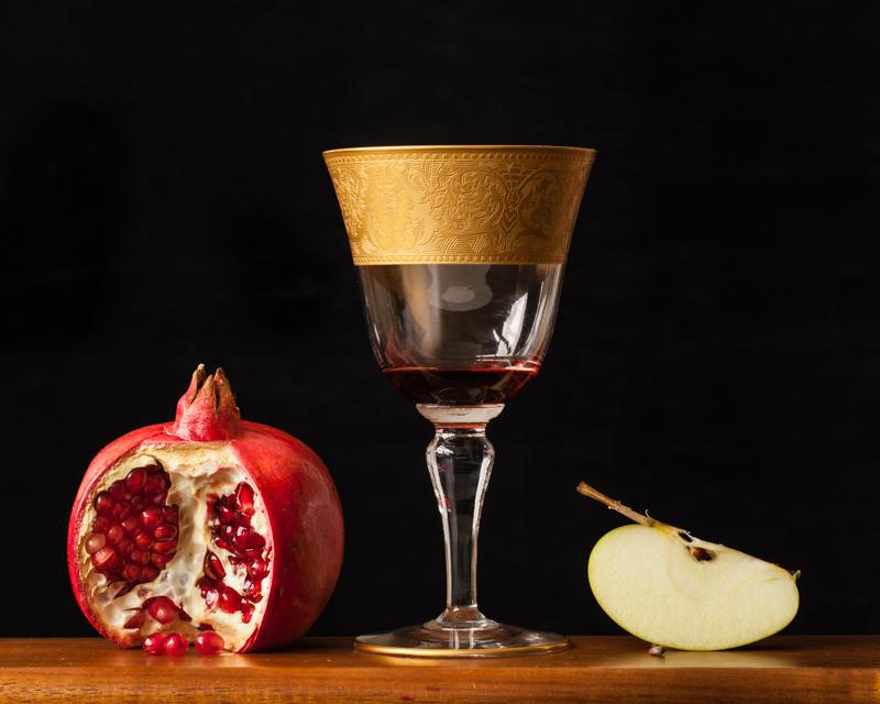 """Forbidden Fruit, 2014"" by David Weinberg (courtesy of the artist and Danforth Art, Framingham, MA)."