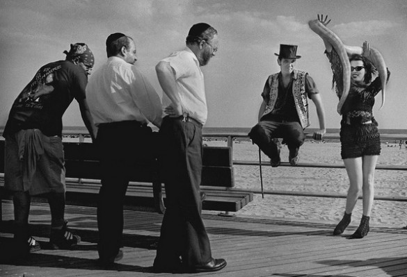 """Strange Encounters, Coney Island, 1990"" by Harold Feinstein (courtesy of the Harold Feinstein Photography Trust)."