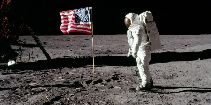 neil-armstrong-moon-landing