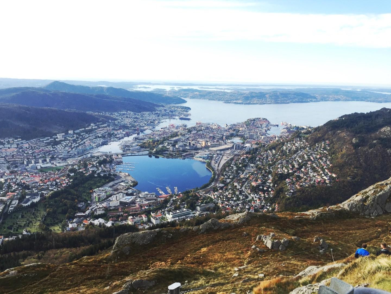 looking_over_Bergen_city_from_Ulriken_Mountain_in_Norway