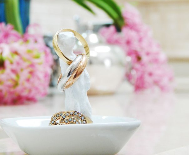ring holder on vanity
