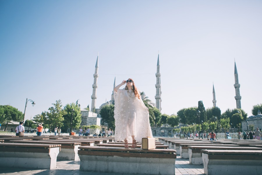 The making of an editorial while getting to know the location, even with photographers that know the are could bring surprises you just will have to listen from Nicole. Location: The Blue Mosque, Istanbul Turkey Hair: Mehmet Tatli Hair Salon Caftan: Vintage by Misty Photographer: Ufuk Sarisen for Flytographer
