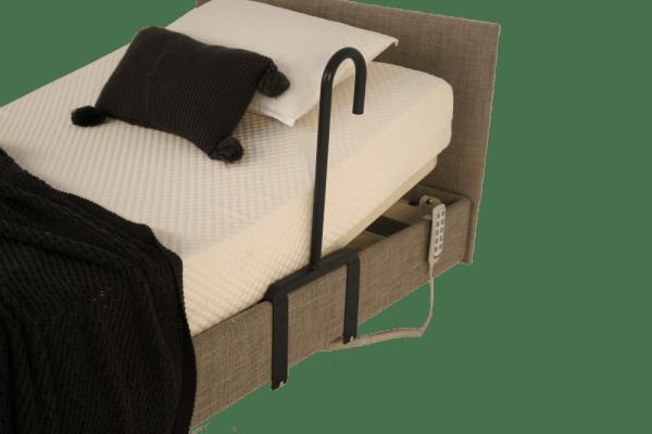 Bedstick with brackets