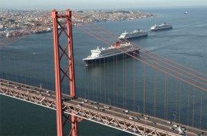 3 Cunard Cruise Ships Engering the Port of Lisbon