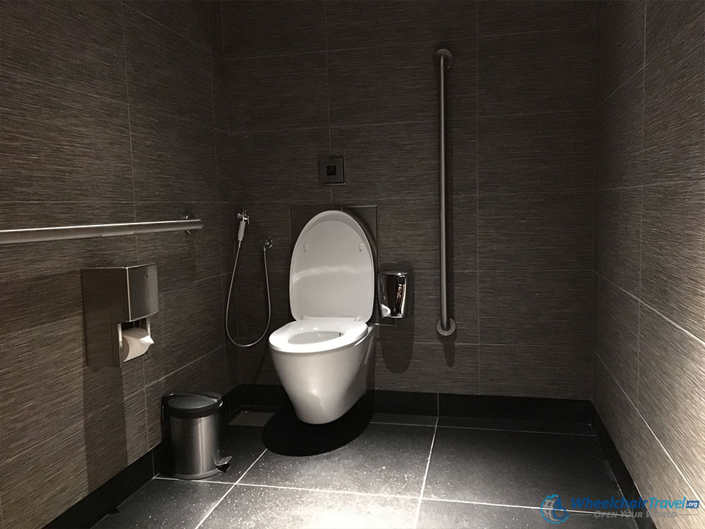 World 39 s tallest building burj khalifa wheelchair access for Wheelchair accessible bathrooms
