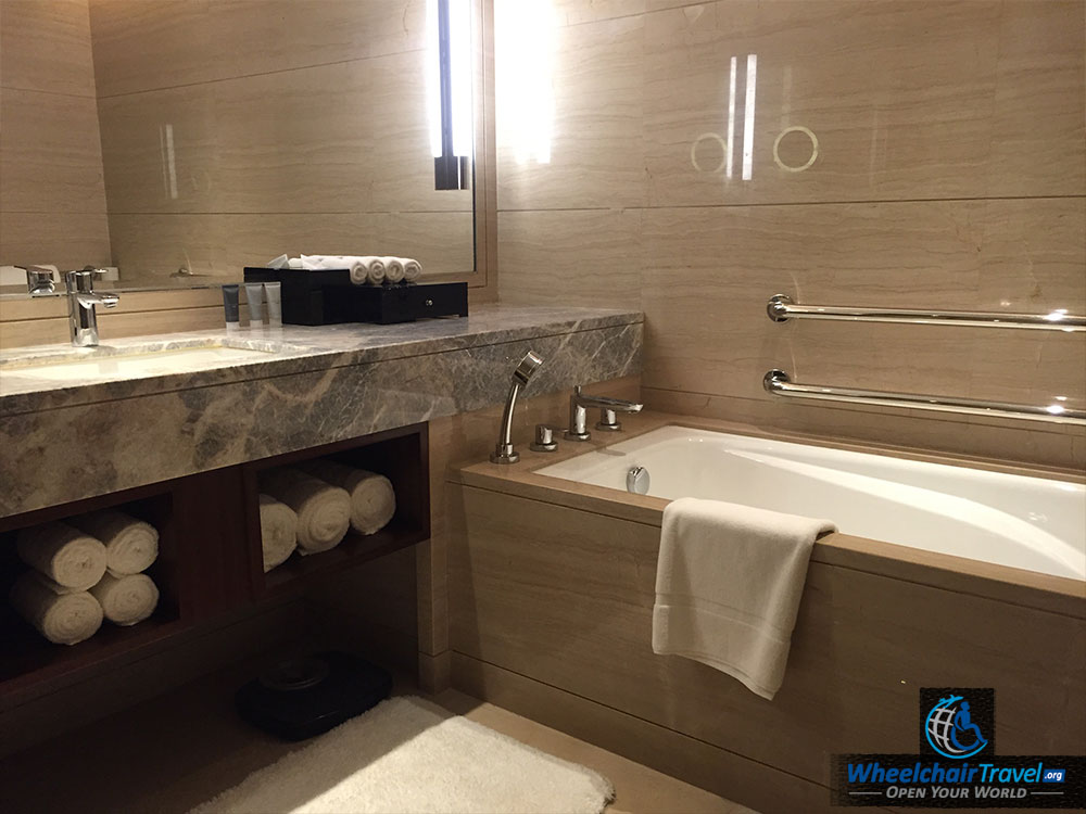 JW Marriott Beijing Hotel Room Wheelchair Accessible Bathroom Tub ...