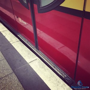 PHOTO DESCRIPTION: Gap between S-Bahn train door and station platform.