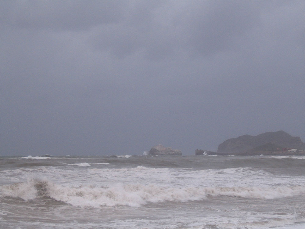 Awesom Storm Front That Darkened >> Guest Post Riding Out A Hurricane On Wheels Wheelchairtravel Org