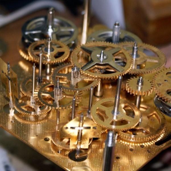 a28f68af37cee1db2a287b7aa5713ed2_clock-repairs-grandfather-grandfather-clock-repair_900-603 (2)