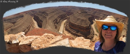Self-panorama of the glorious curves at Goosenecks State Park