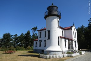 Darn she's pretty. Admiralty Head Lighthouse.