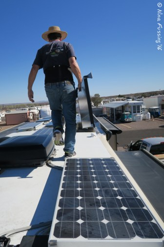 Marv hauls a GS100 onto the roof