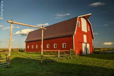 Now, THAT's a barn!