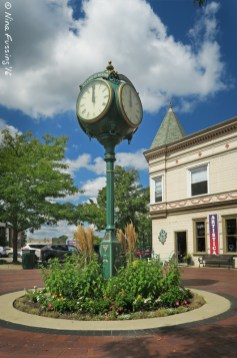 Dexter downtown clock