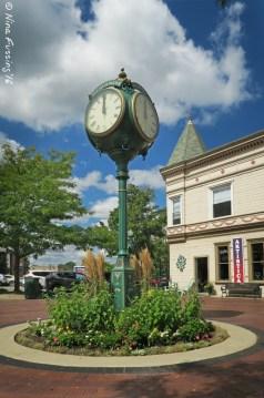Dexter downtown clock