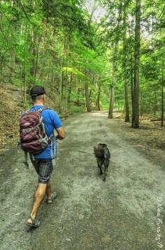 Walking to Taughannock Falls