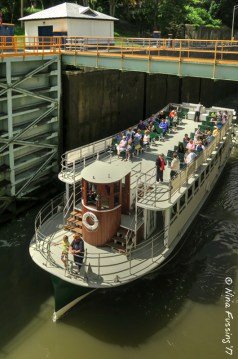 Tour going through the Locks