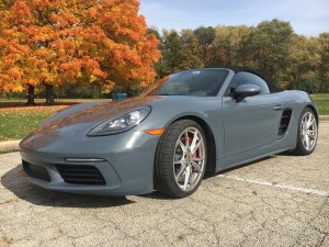 2017 Porsche 718 Boxster S ditches the 3.4-liter flat-six engine for a 2.5-liter turbo flat-four cylinder to boost performance and efficiency. It gets broader wheels, fenders, air intakes and a host of sophisticated mechanical upgrades. (Robert Duffer/Chicago Tribune/TNS)