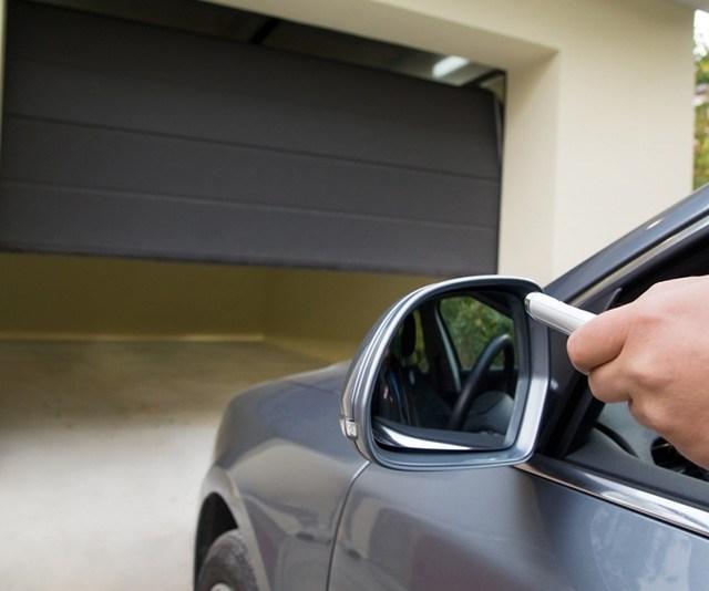 Best Garage Door Lubricant – Buyer's Guide