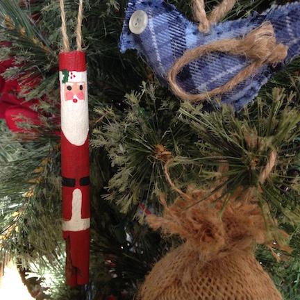 Cinnamon Stick Santas (square)