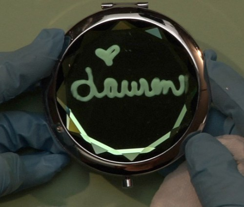 Personalized Mirror Compact
