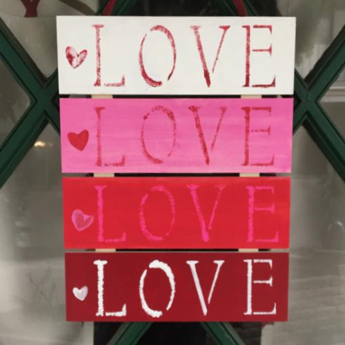 """""""LOVE"""" Pallet Plaque"""