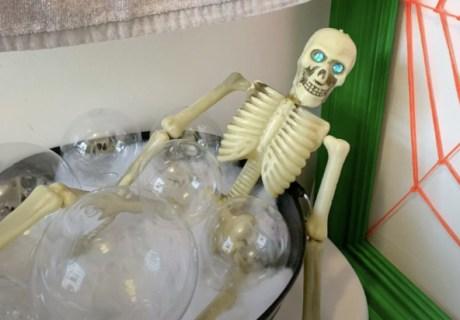 Bathing Skeleton