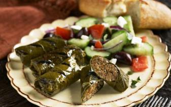 Lozovi Sarmi. Photo: http://www.bulgarianvillarenters.com/bulgarian_holidays_villa_rental/bulgarian-cuisine/