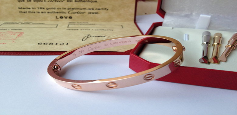 Buying Cartier Love Bracelet Replica Online
