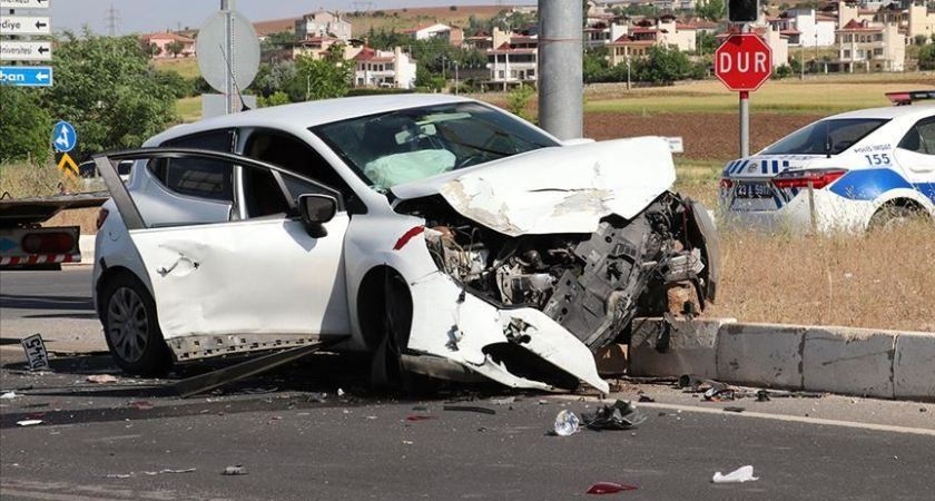 3 Tips For Avoiding Car Accidents On Highways and Freeways