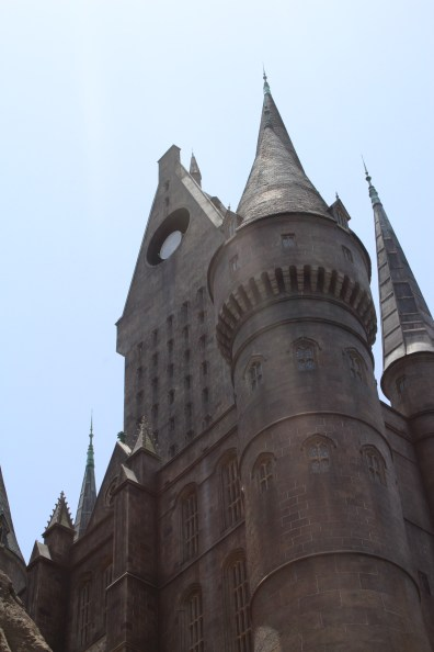 I took this in the line to go into the Forbidden Journey ride. That is a great ride.