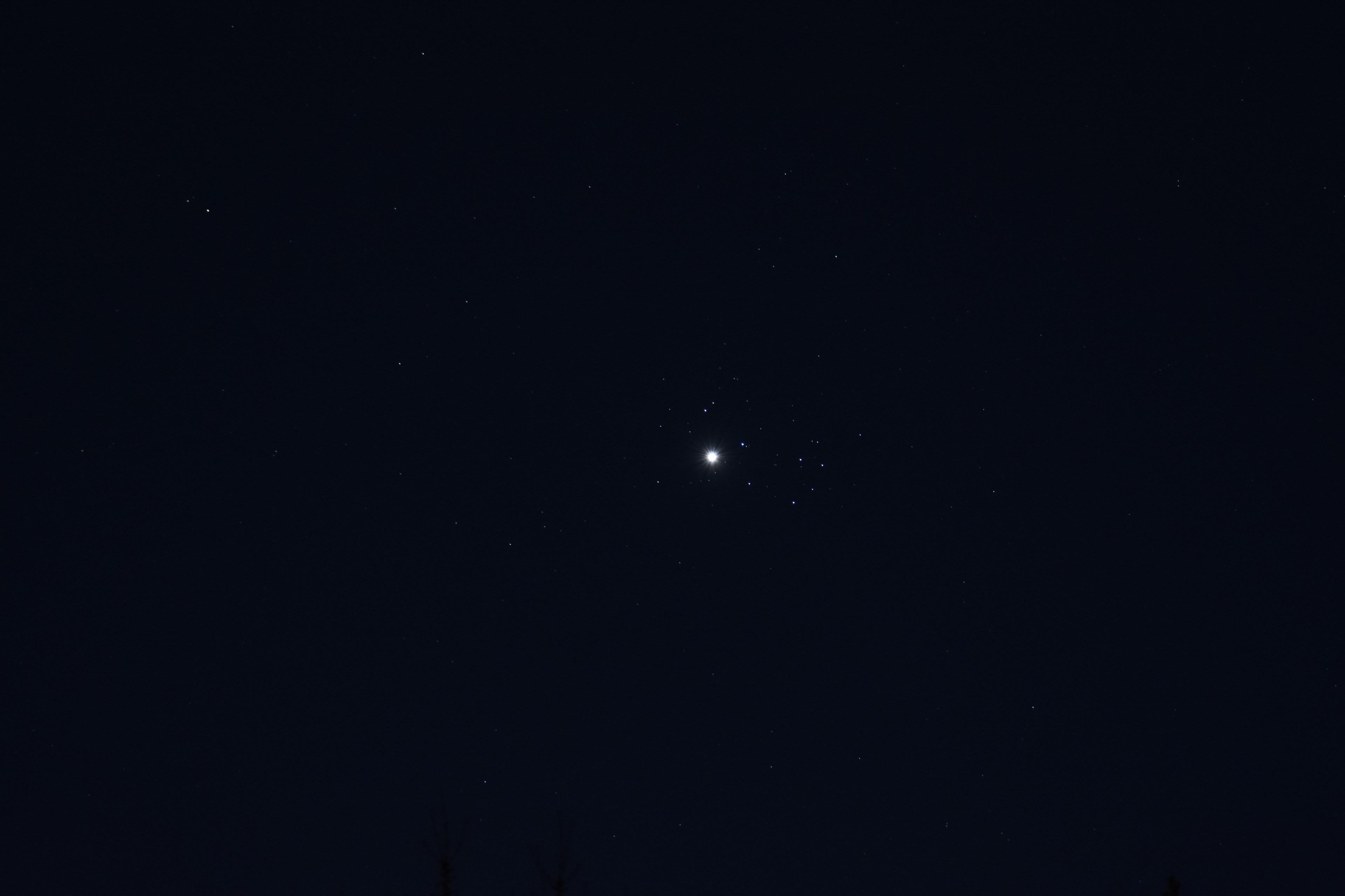 April 3 2020 Venus and Pleiades