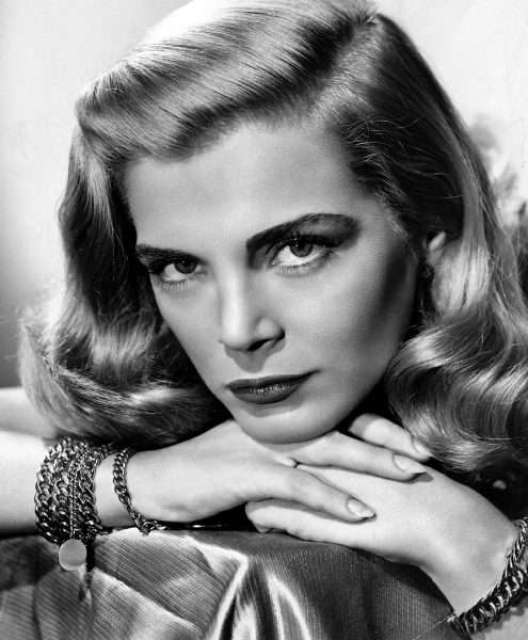 Lizabeth Scott played a 1940s film noir femme fatale in Dead Reckoning