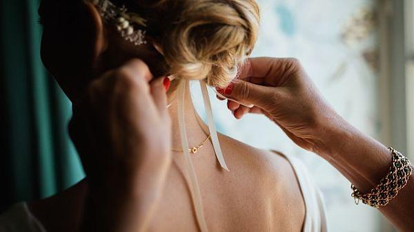 Create a Stunning Fall Wedding Hairdo
