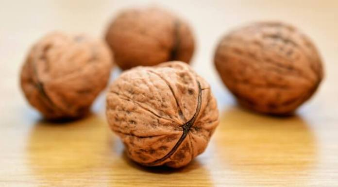 walnuts heart health benefits
