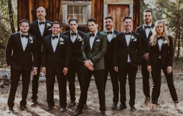 Groomsmaids suits: The tux is a new fashion trend