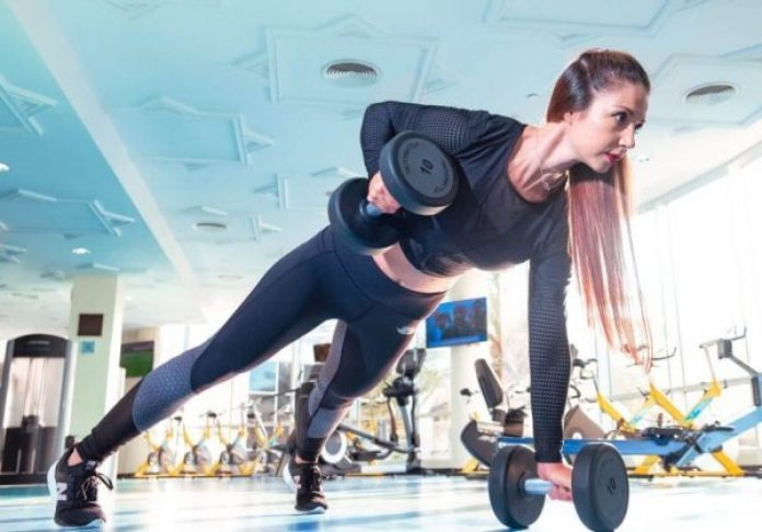 She does muscle soreness recovery after weightlifting