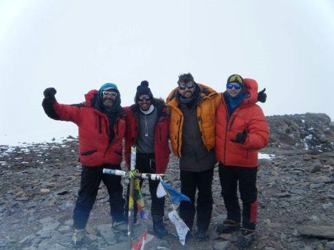 Summit!! (6963m)