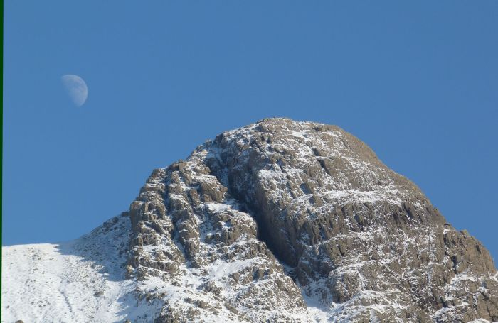 Moon over Pike O'Stickle