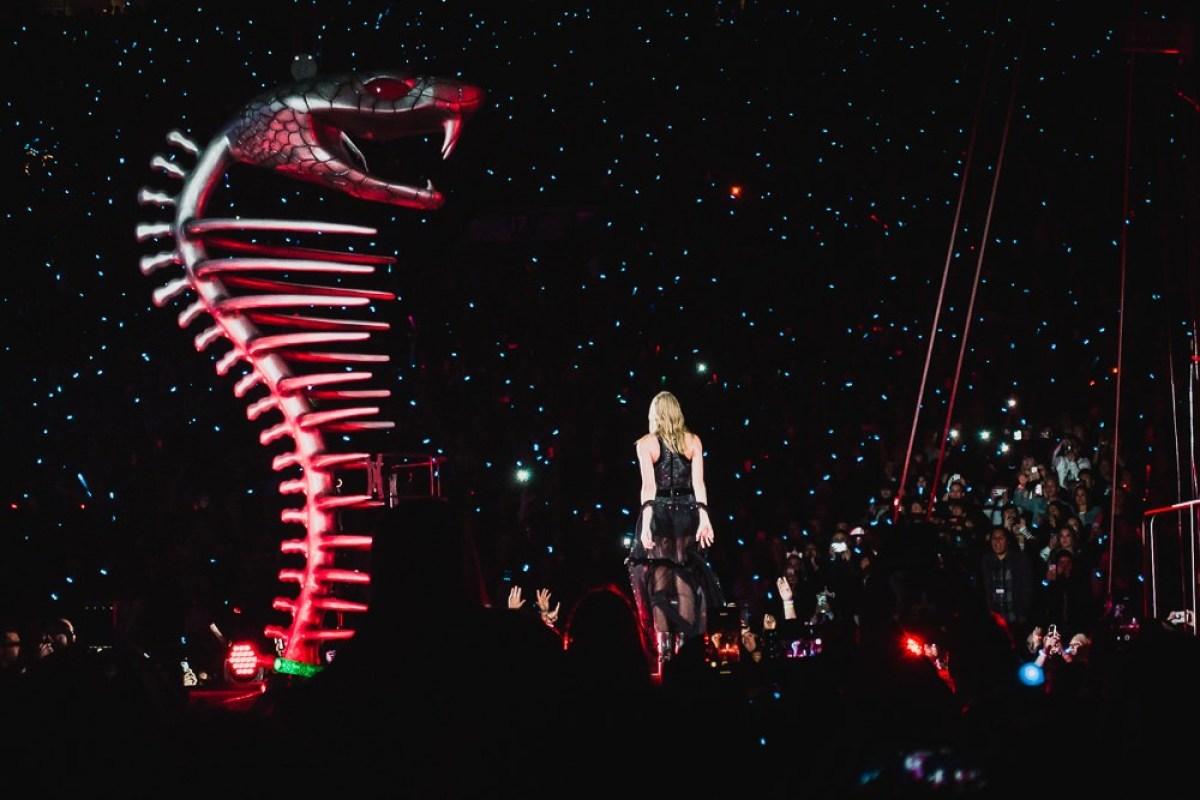 Taylor Swift at Rose Bowl Reputation Tour Concert